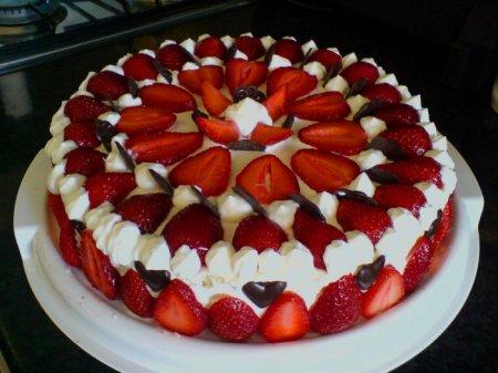 Торт с клубникой рецепт с фото в мультиварке