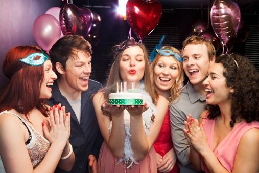 Прикольные конкурсы для дня рождения женщины прикольный