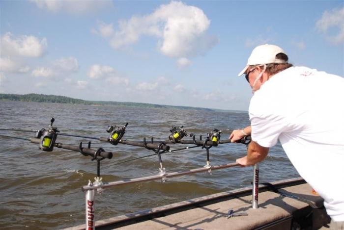 какая лодка лучше для рыбалки на сома