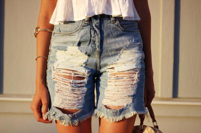 Як зробити модні рвані шорти зі старих джинсів 11fd1641dcb29
