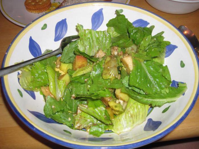 Какие салаты можно приготовить кормящим