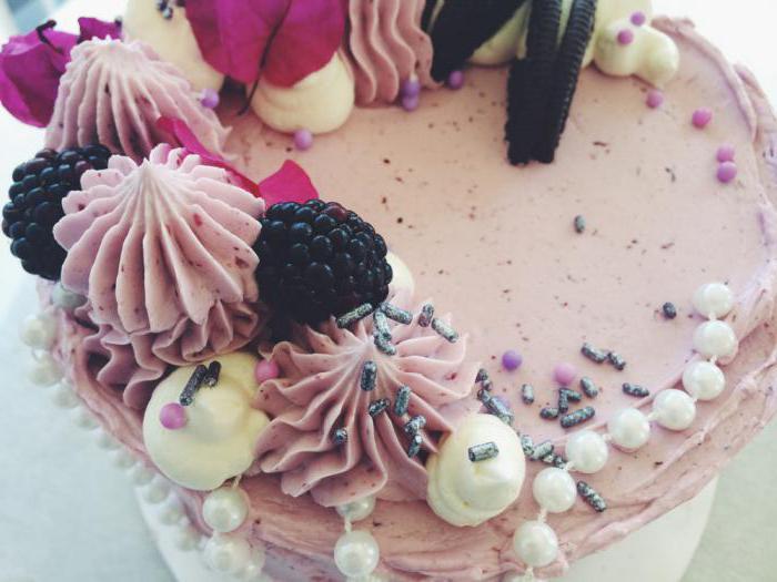 Украшения торта мокрым безе