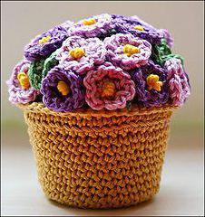 Схеми в язання гачком квітів у горщиках. Красиві в язані квіти  опис 4280982c751a8