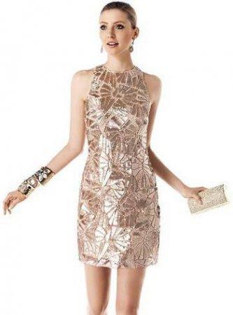 Золоті сукні - вечірні вбрання для жінок cf1904a2244fe