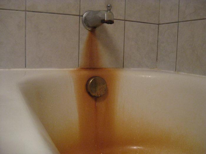 Чем отчистить чугунную ванну от ржавчины и налета своими руками